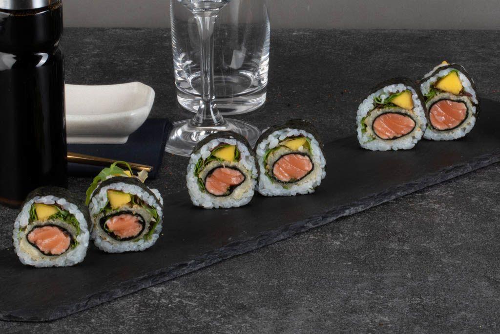 Picture of Spicy Salmon tempura futomaki